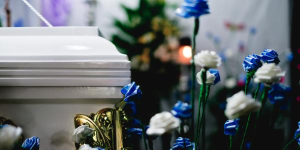 A Guide to Finding the Funeral Home That is Right for You